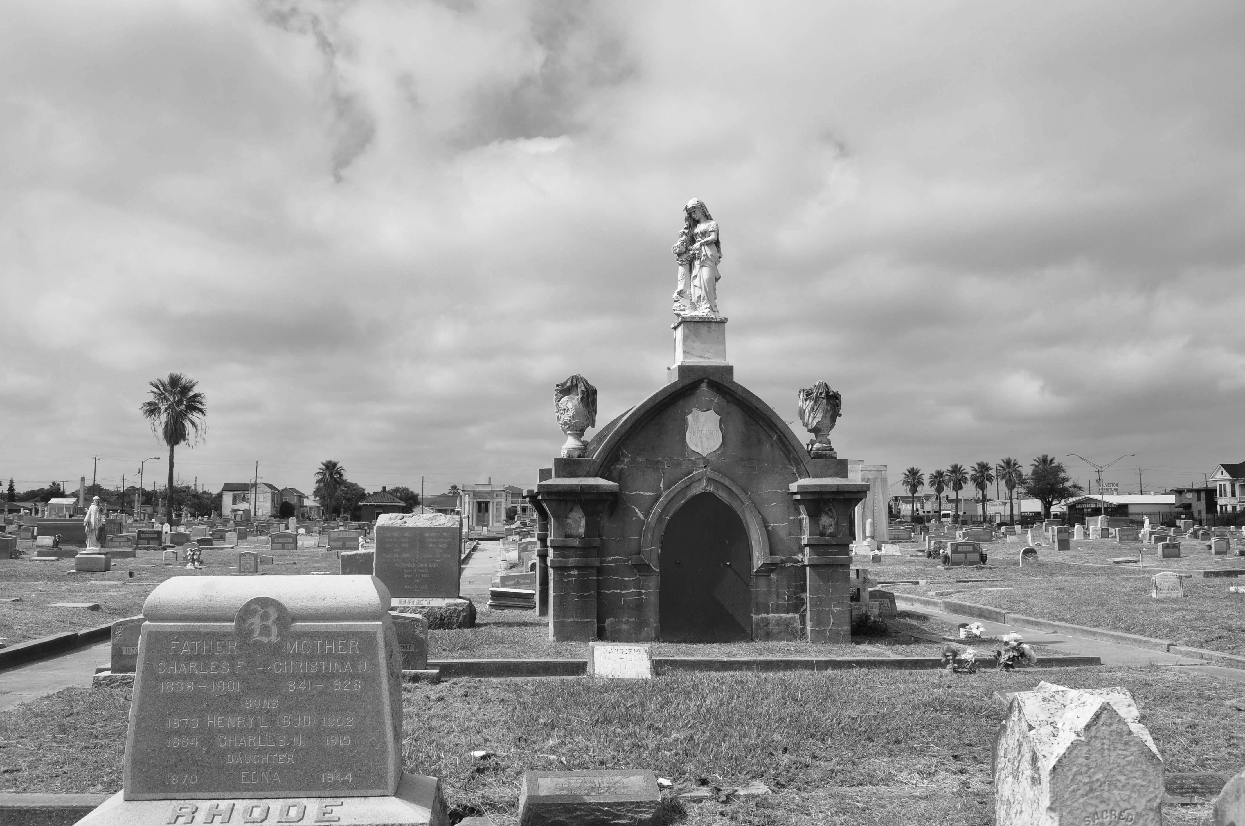 Broadway Cemetery, Galveston is part of the most haunted places list