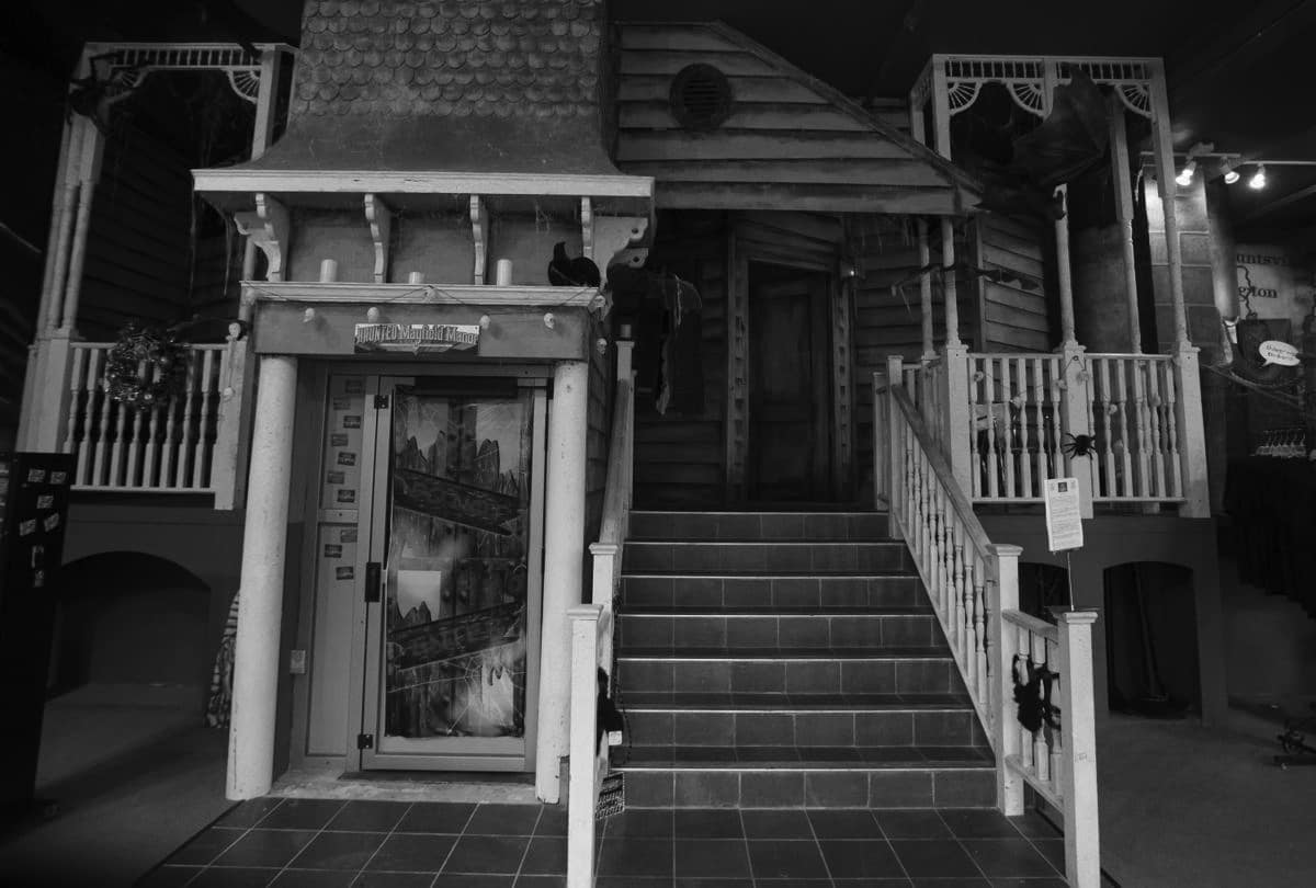 Haunted Mayfield Manor is yet another haunted house in Galveston